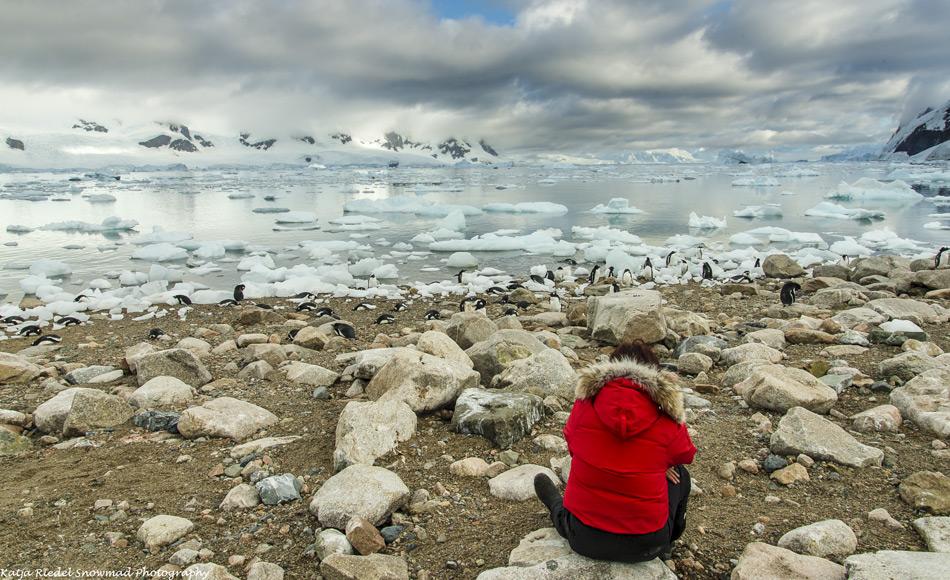 In der Antarktis sollte sich das Ozonloch allmählich weiter schliessen, da die FCKWs in der Atmosphäre abnehmen. Die vollständige Regeneration wird jedoch Jahrzehnte dauern, da viele FCKWs eine Lebensdauer von 50 bis 100 Jahren haben und daher sehr lange in der Atmosphäre verweilen. Wissenschaftler sehen 2060 oder 2080 als realistisch für eine weitgehende Erholung an, aber selbst dann könnte noch ein kleineres Loch bestehen. (Quelle: Katja Riedel)