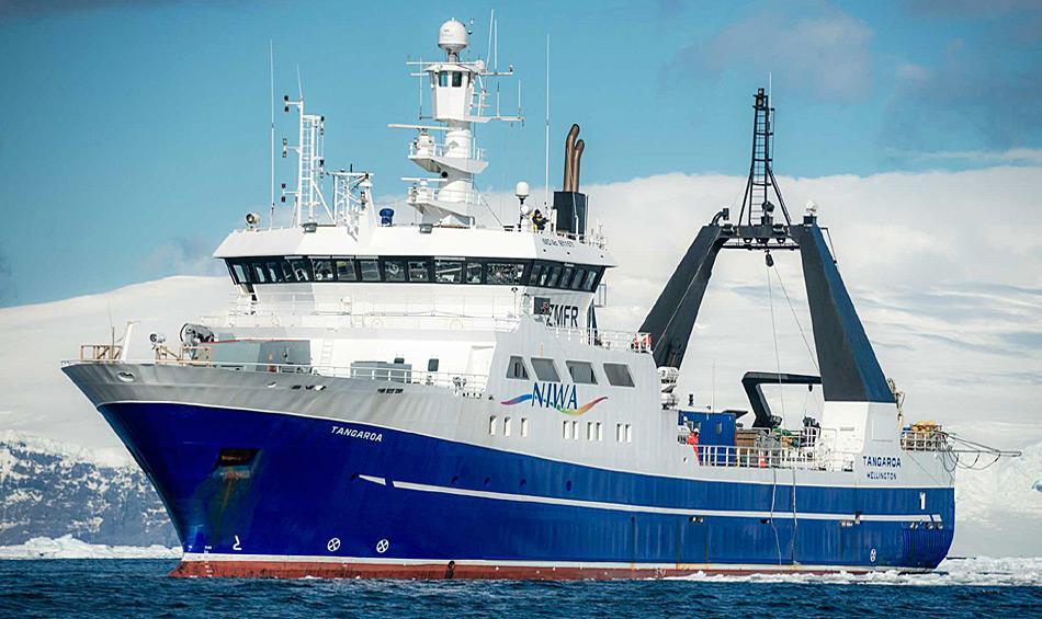 Die RV Tangaroa, das neuseeländische Forschungsschiff, bildete die Plattform, von der aus die Forscher ihre Arbeiten durchführen konnten. Photo: Dave Allen, NIWA