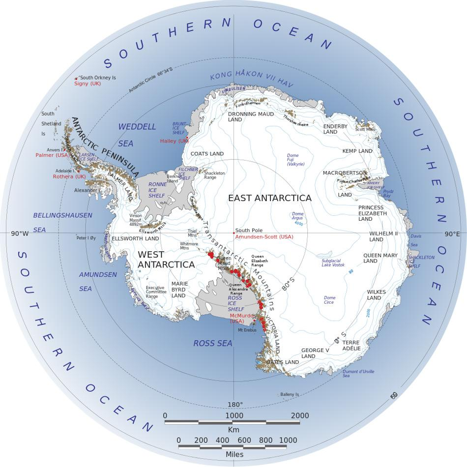 Eine Karte der Antarktis zeigt in rot die exponierten Bereichen der Siriusformation, die die Diatomeen enthalten, entlang des Transantarktische Gebirges. Die Gebiete liegen im Wisconsin Gebirge, den Dronning-Maud-Bergen und im Süden des Victoria Lands. Bild: NASA, Wiki Commons