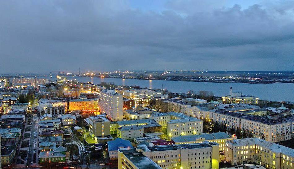 Die russische Stadt Archangelsk liegt in einer Flussmündung ins Weisse Meer. Schon in frühen Zeiten war die Stadt ein wichtiger Zankapfel zwischen Russland und Norwegen und wurde mehrfach umkämpft. Doch nun könnte es der Ort zur Erwärmung der Beziehung zwischen den beiden Nationen werden. Bild: Panoramio