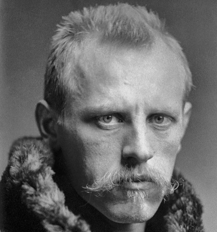 Der norwegische Polarforscher Fridtjof Nansen war der erste Mensch, dem eine Durchquerung Grönlands 1888 gelang. Als Wissenschaftler und guter Beobachter entwickelte er viele verschiedenen nützliche Werkzeuge und Geräte für die moderne Polarforschung. Bild: Henry Vanm Der Weide