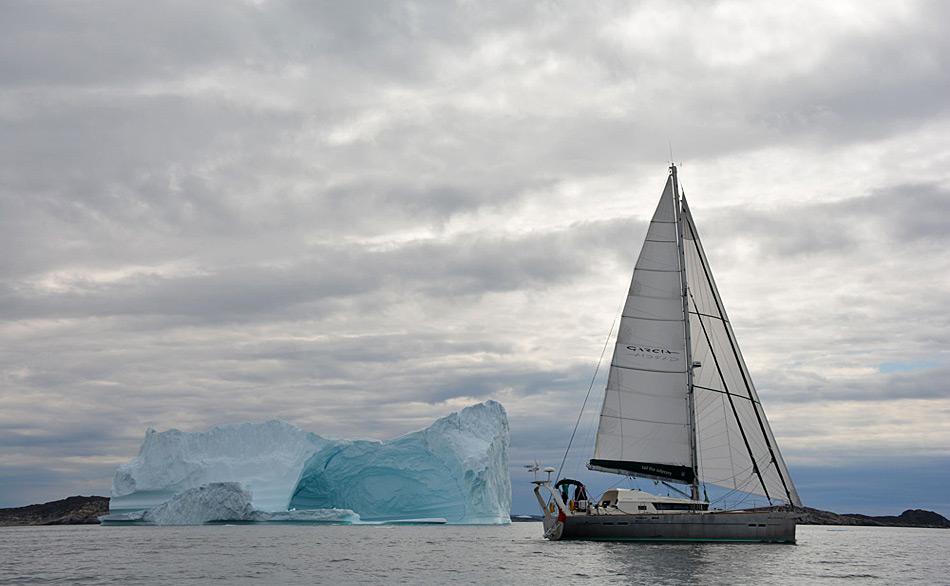 Im Sommer 2014 mussten nach einem Monat Warten am östlichen Ende der Nordwest Passage Jimmy Cornell und seine Crew auf der «Aventura» leider aufgeben.